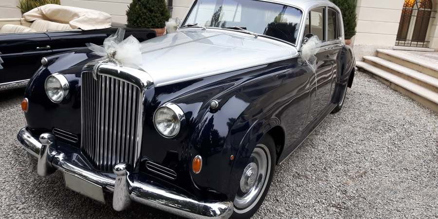 Bentley S1  1958 ready for the bride